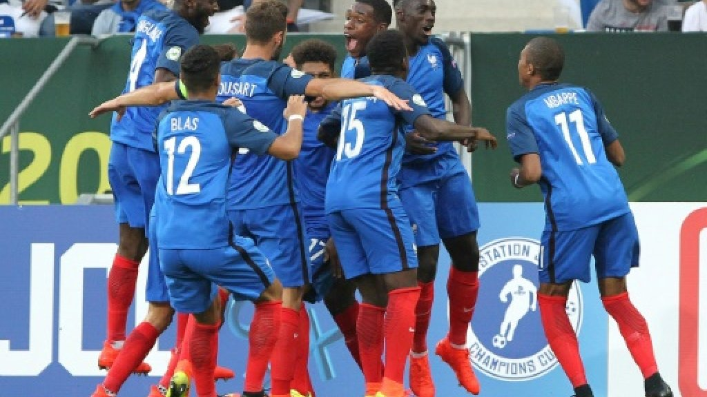 Flying French looking good for Italy football repeat
