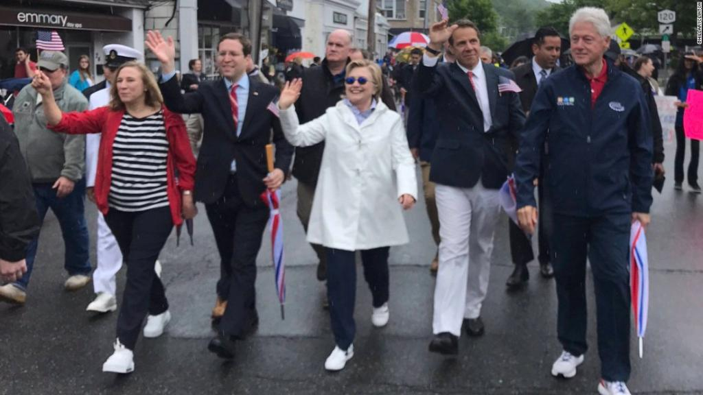Bill and Hillary Clinton walked in a MemorialDay parade in Chappaqua, New York