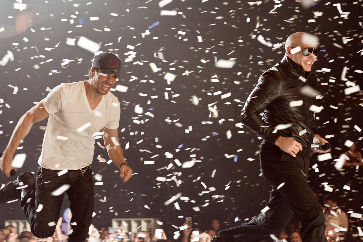 Only a few more days until the #EnriquePitbullTour opens in Chicago on June 3 #Dale https://t.co/WW7GzVOZ1T