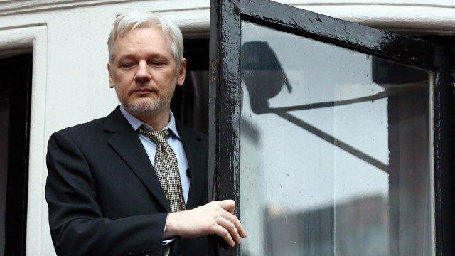 New Ecuadorian president Julian Assange can stay in embassy