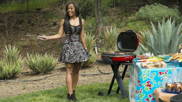 """The Bachelorette's Rachel Lindsay issues a firm """"GTFO"""" and that's what you missed on week 2:"""
