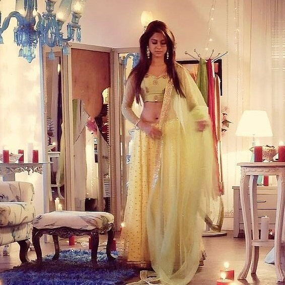 Today I am so happy guys because my jaan Jennifer winget birthday And lots of love to u Jenni happy birthday to u