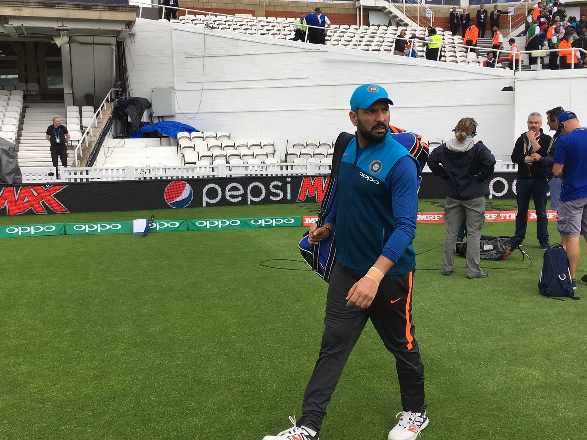 .@YUVSTRONG12 walks in for the drills ahead of #CT17 warm-up match against Bangladesh #INDvBAN