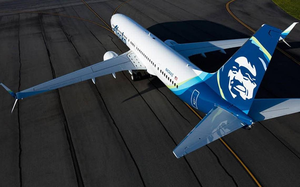 Alaska Airlines flight diverted to KCI after acrid odor reported on plane