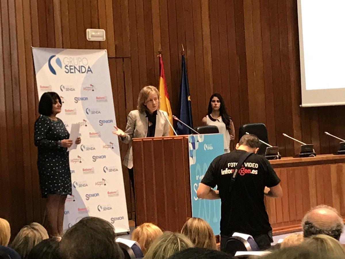 test Twitter Media - Natalia Roldán hace entrega del Premio Senda de liderazgo de personas mayores #eulensociosanitarios @alfbohorquez1 #PremiosSenda https://t.co/mvHWW7JrPS