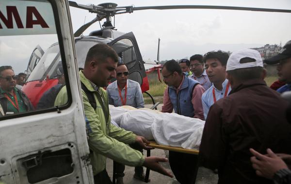 Vrachtvliegtuigen crashen in Nepal
