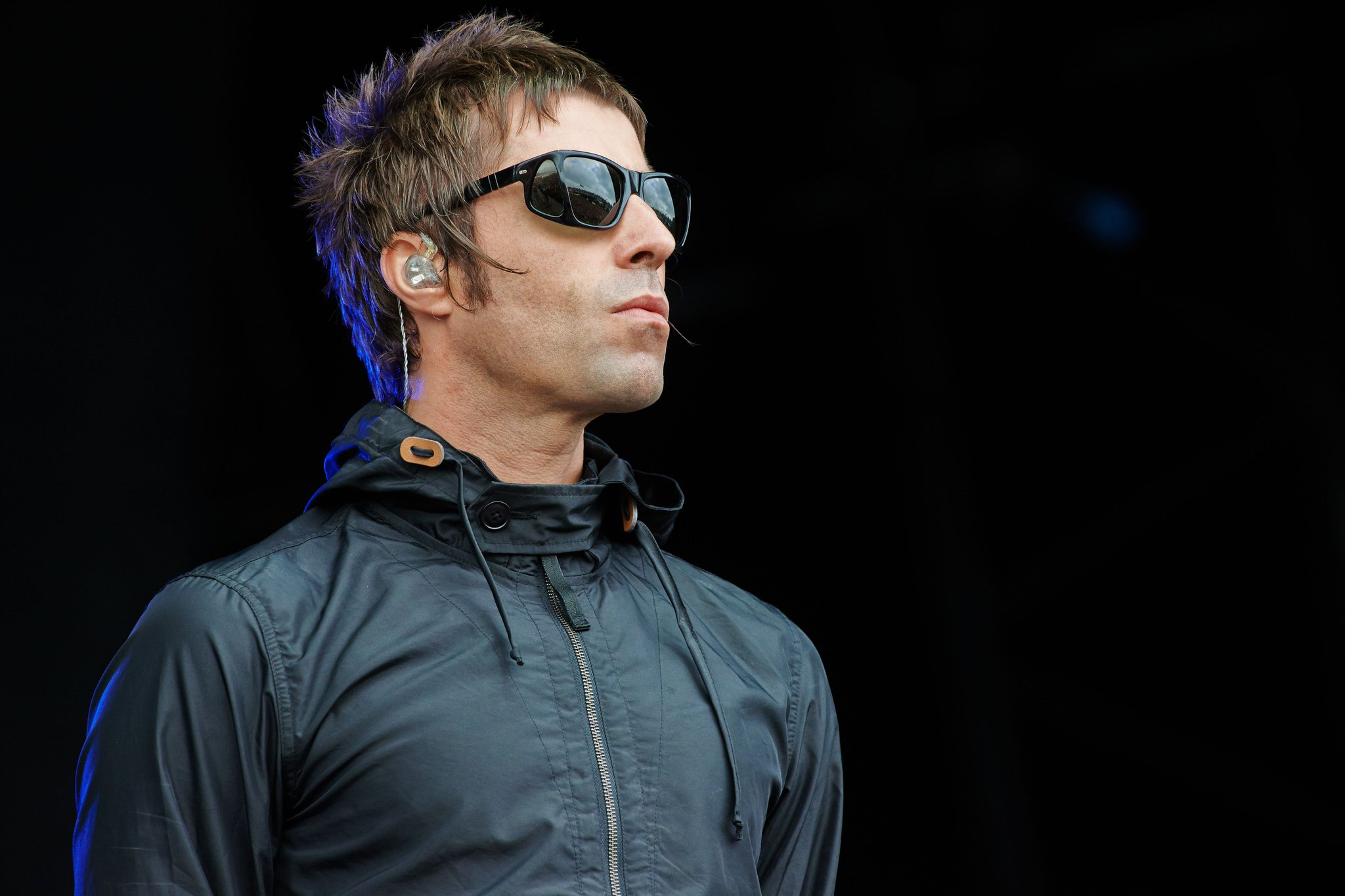.@LiamGallagher kicks off Manchester solo show with 'Rock N Roll Star' https://t.co/H8TBxVzmcY https://t.co/9sMg1iIeLf