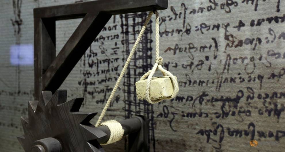 Da Vinci contraptions brought to life in Bruges exhibition