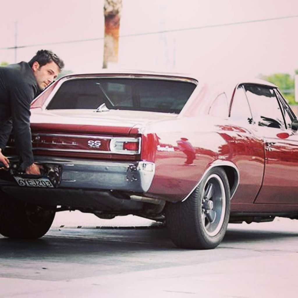 Great taste Ben!  #americanmuscle #musclecar #chevy #chevelle #chevelless #benaffleck https://t.co/454cwjFp9x