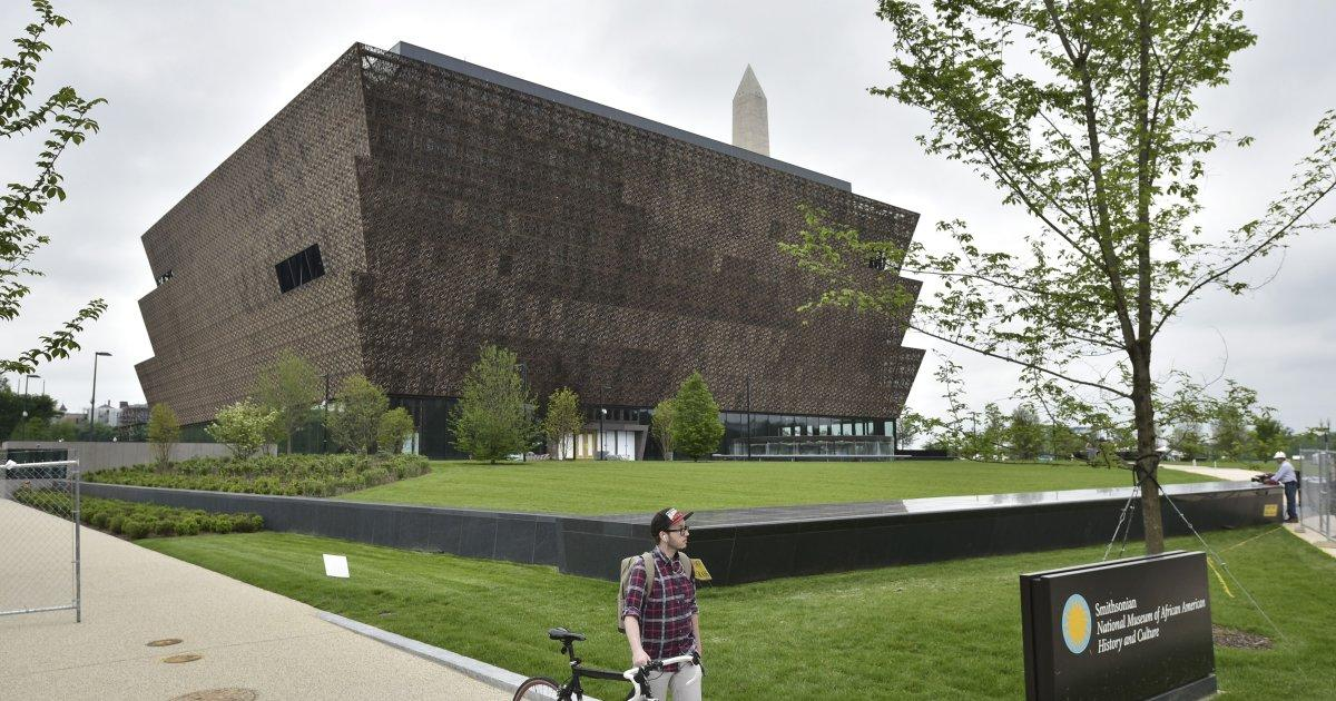 Noose found inside Smithsonian's African American museum in DC