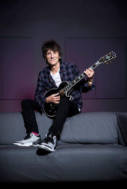 Happy 70th birthday ! Gibson Guitar Greats: Ron Wood