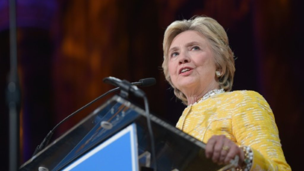 Clinton slams apparent US-Russia collusion against her