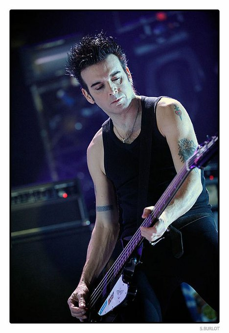 Happy birthday to The Cure\s Simon Gallup. One of the most underrated bassists of all time.