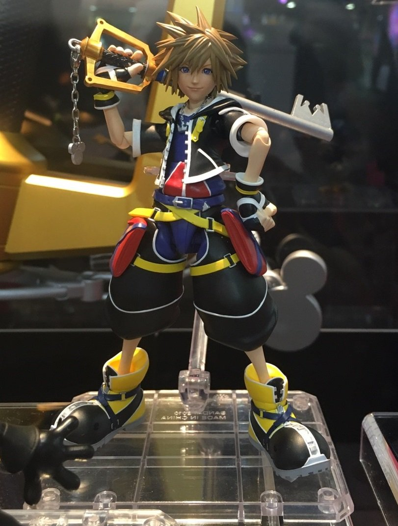 Kingdom Hearts II Sora, King Mickey, Donald, Goofy, and keyblade figures from PROPLICA. Sora out 11/2017 for 6,264 Yen. Images via @figsoku. https://t.co/P0LTyM5Uie