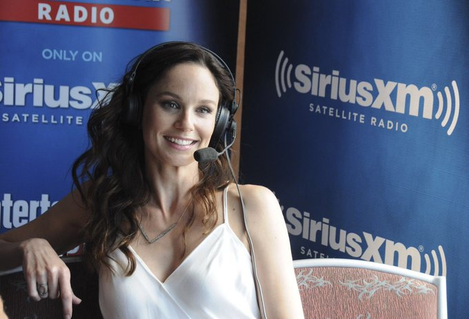 Wishing Sarah Wayne Callies a very Happy Birthday today!!