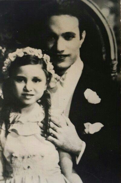 الموسيقار عبدالوهاب مع فاتن حمامة في عام 1939 أثناء تصوير فيلم يوم سعيد https://t.co/badeKFSae4