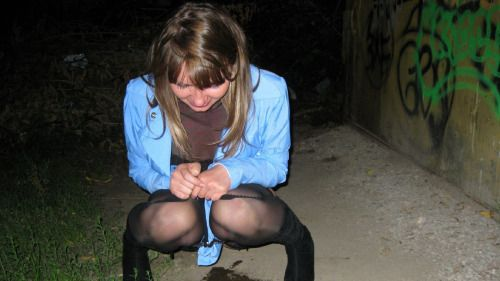Пьяные писающие девушки фото