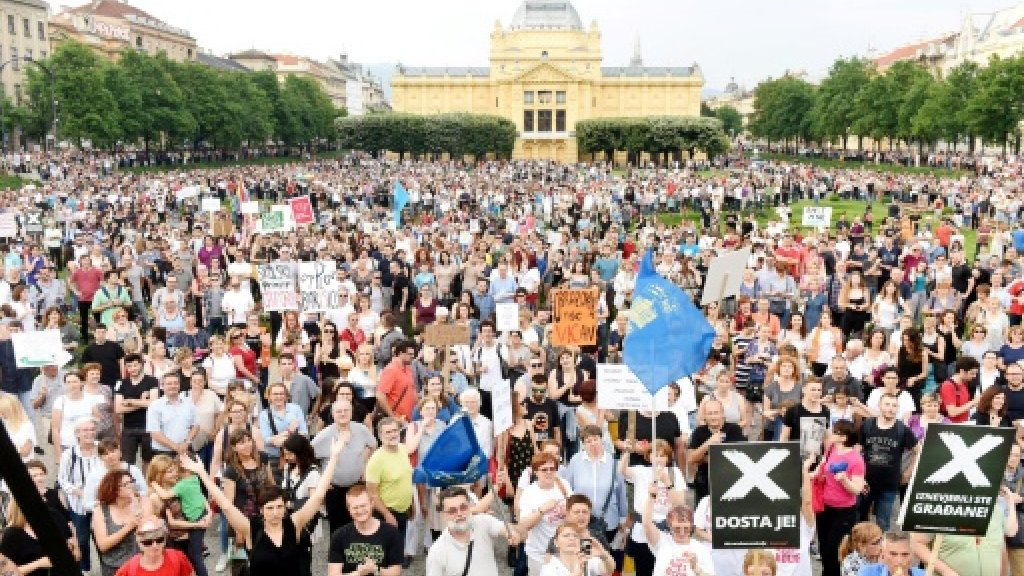 Croatians protest stalled education reforms