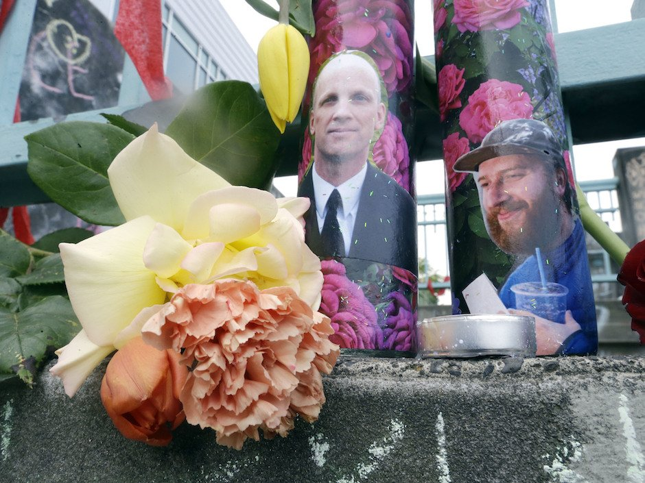 Portland stabbing hero's backpack, wedding ring stolen as he died protecting teens: police