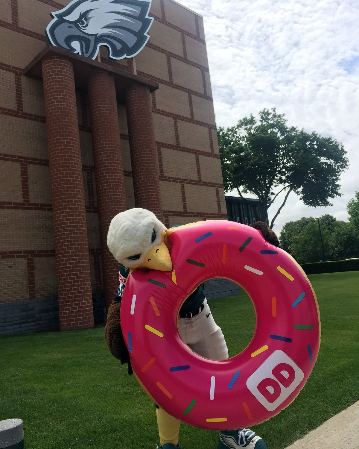 Celebrate #NationalDonutDay with SWOOP at the 1500 Spring Garden @DunkinPhilly from 11:30AM-1:30PM! https://t.co/SPmsEpMRD5