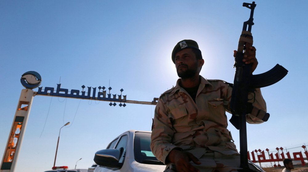 Haftar and ISIL launch simultaneous attacks against UN-backed unity government in Libya