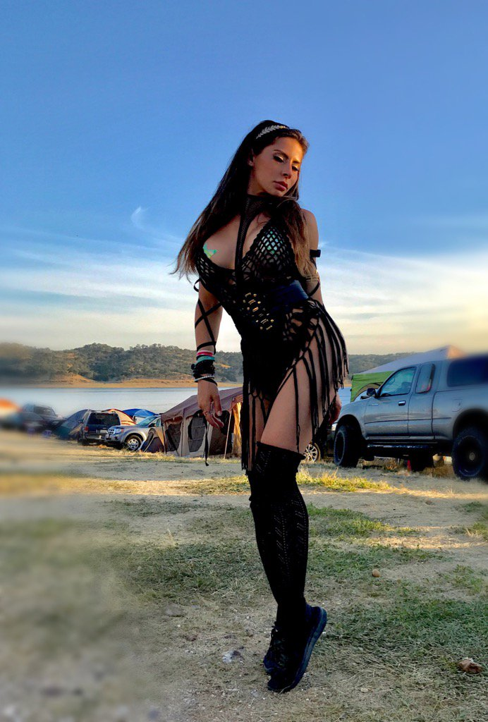 If I could, I would dress this way 24/7 🙏 Gypsy Ninja KfA2KfEqr0