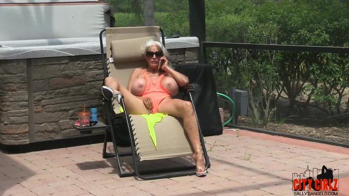 Cougar lll  12 inch BBC by @SallyDangeloXXX https://t.co/j00gg6r6pM @manyvids https://t.co/jEJh1zNX9