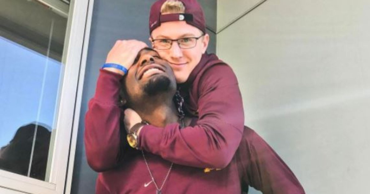 University of Minnesota track teammates come out as gay couple