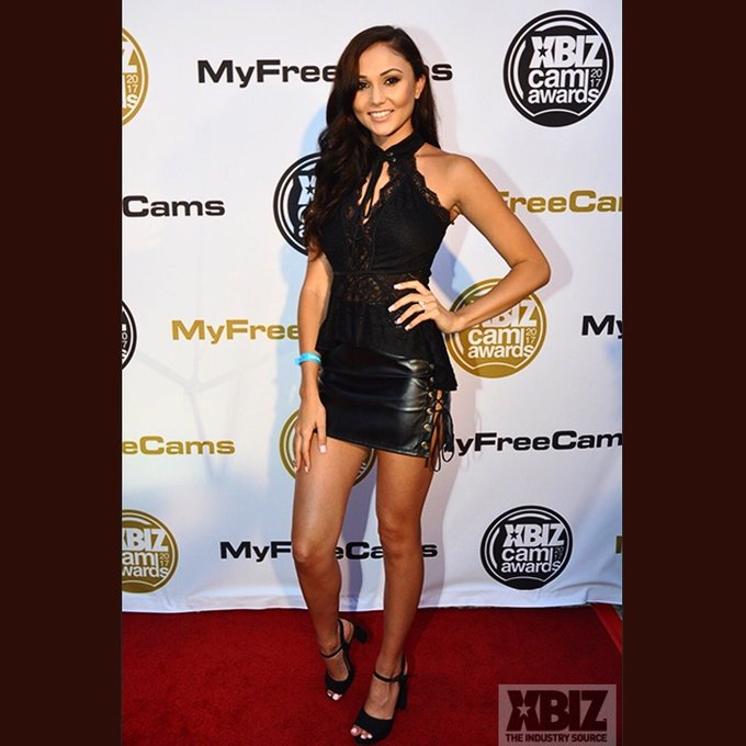 Red carpet lastnight for the cam awards  #XbizMiami https://t.co/vqAt4NPnmX