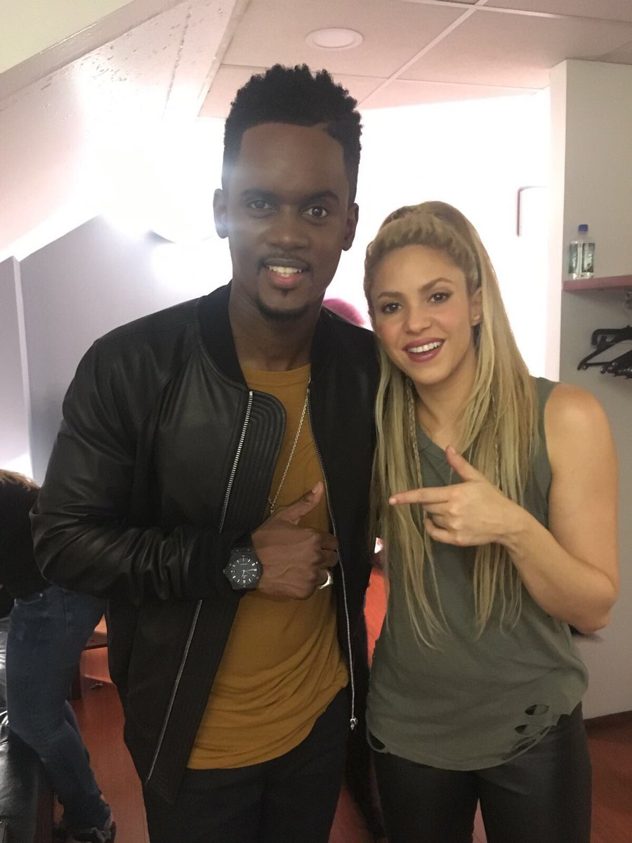 Super fun sharing the stage with @Bmesrimes tonight on the Voice! Shak https://t.co/dLhl0Dokr9
