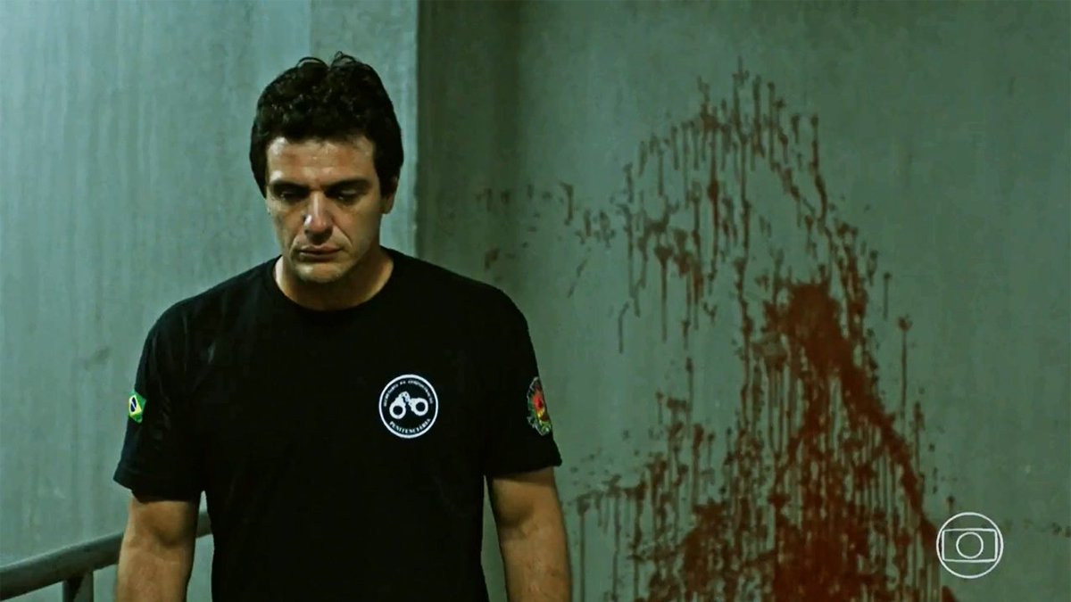 Crime é perder essa!! Assine o #GloboPlay e assista aos 12 episódios de #Carcereiros 😉 https://t.co/aXMS636OZV https://t.co/ehcoZ4Le7w