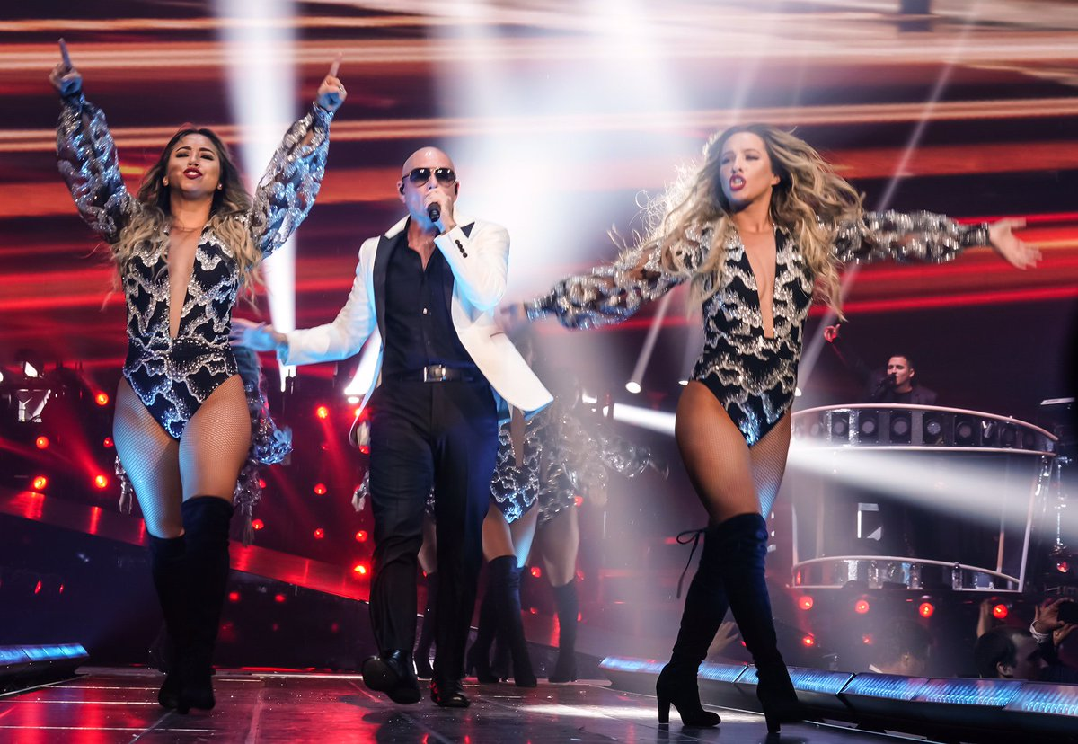 Thank you San Jose  and @SAPCenter! Last night was incredible @TheMostBadOnes #Dale https://t.co/hsSyWBQmBG