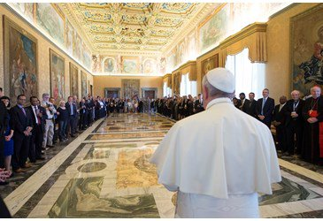 Pope Francis greets Evangelical Leaders