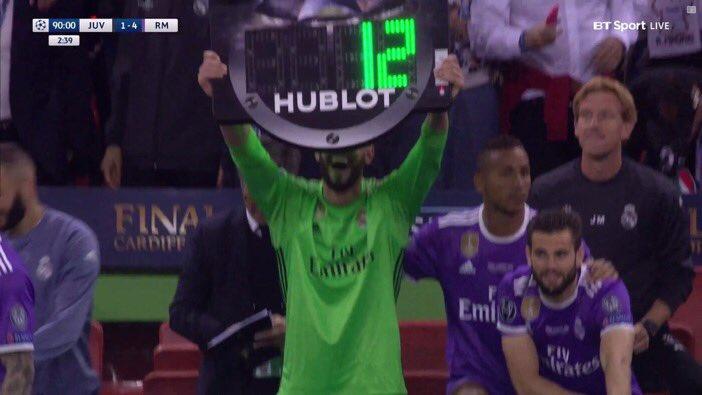 Casilla Le Quitó Al Cuarto árbitro La Tablilla Y Puso El Número 12  #duodécima   Scoopnest.com