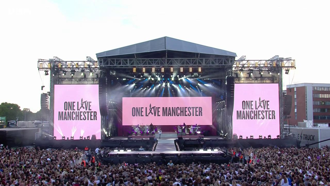 Ariana Grande sends a heartfelt message to her fans during the #OneLoveManchester concert https://t.co/8X6DUWA923 https://t.co/mfEaIma5FU
