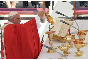 Pope Francis at Pentecost: new people, new hearts