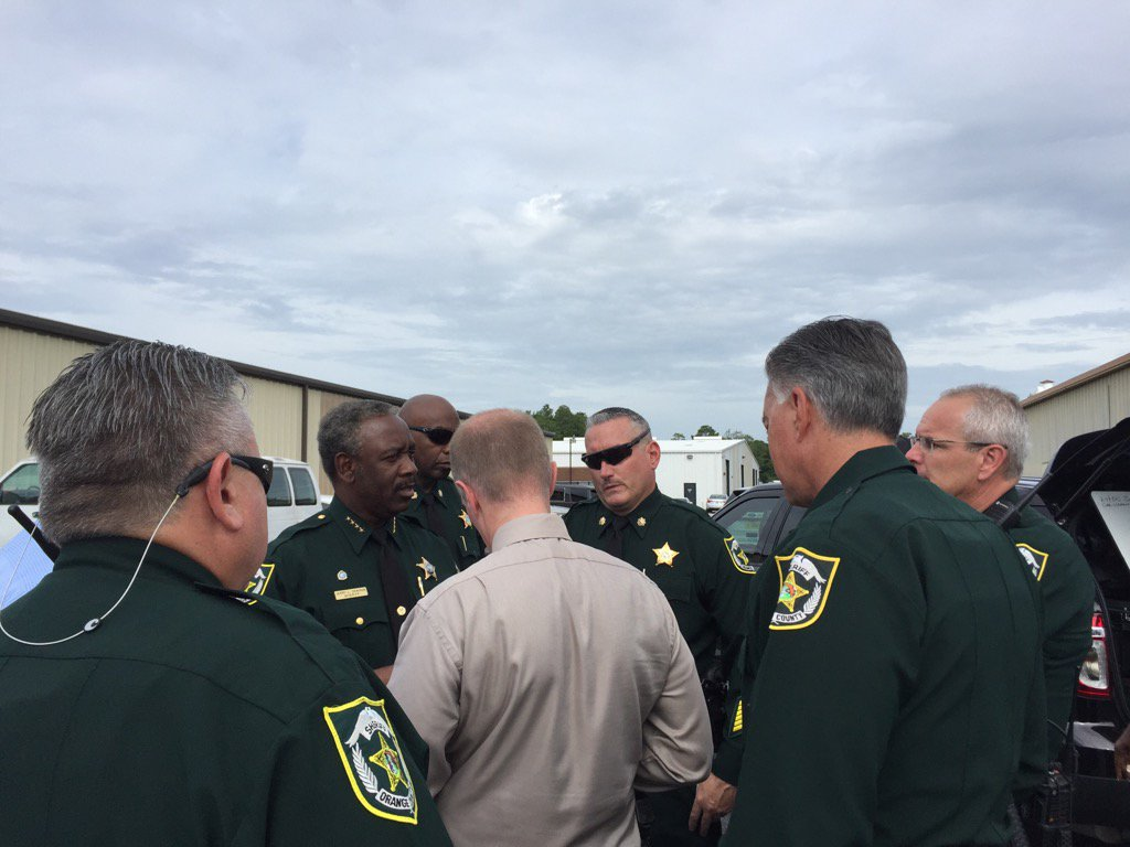 Sheriff Demings on scene of tragic shooting with multiple fatalities. Getting briefing. Will address media shortly. https://t.co/f7jZrmXuhl