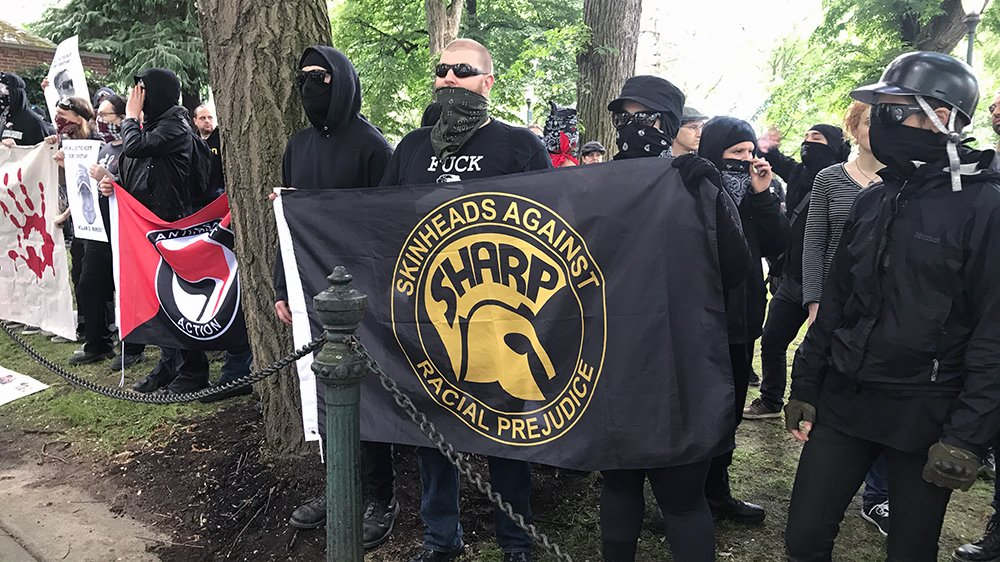 'Alt-right' rally prompts protests in Portland, Oregon