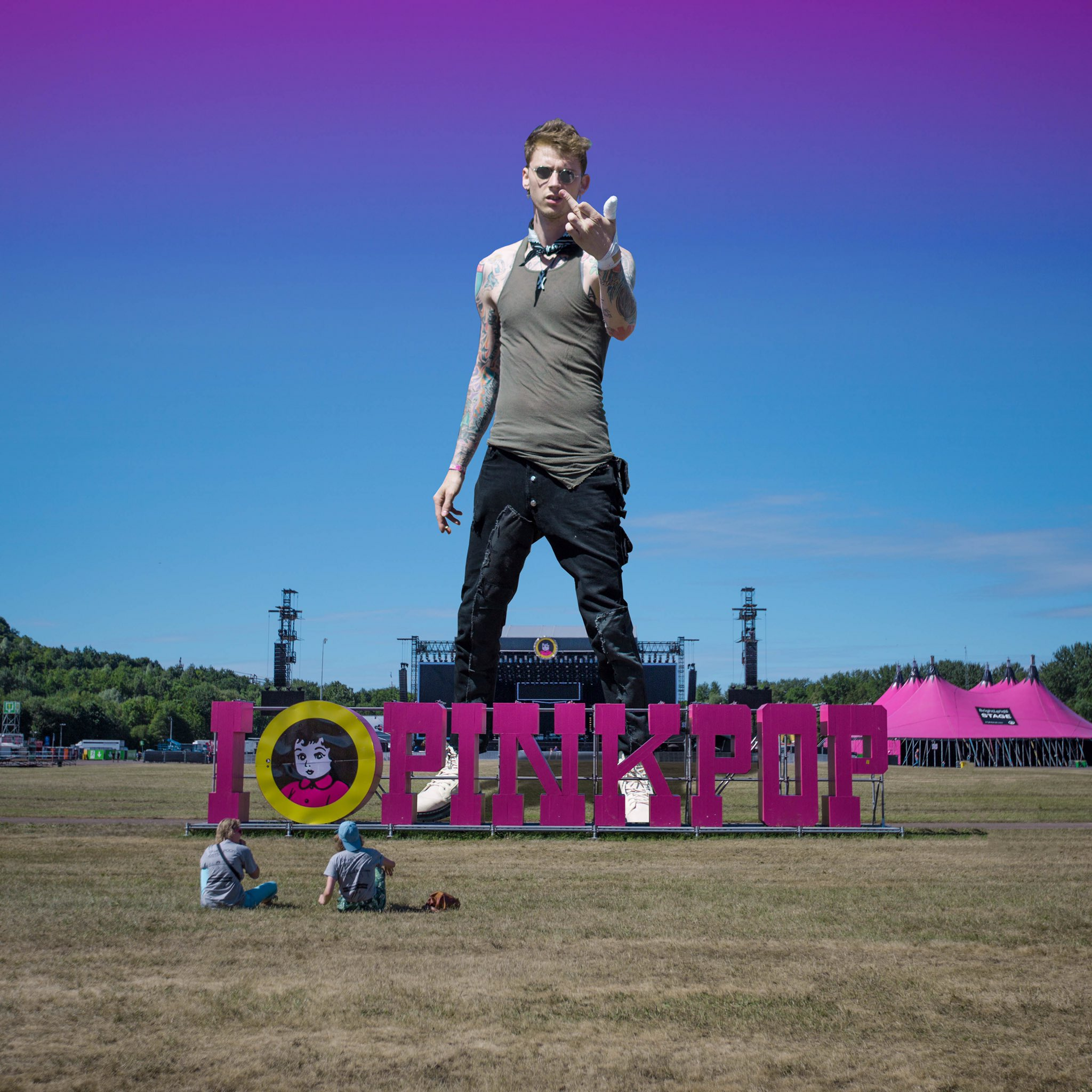 they call me a giant, i step on the stage and i start a riot.  - the gunner  @pinkpopfest https://t.co/WsouZbyXPb