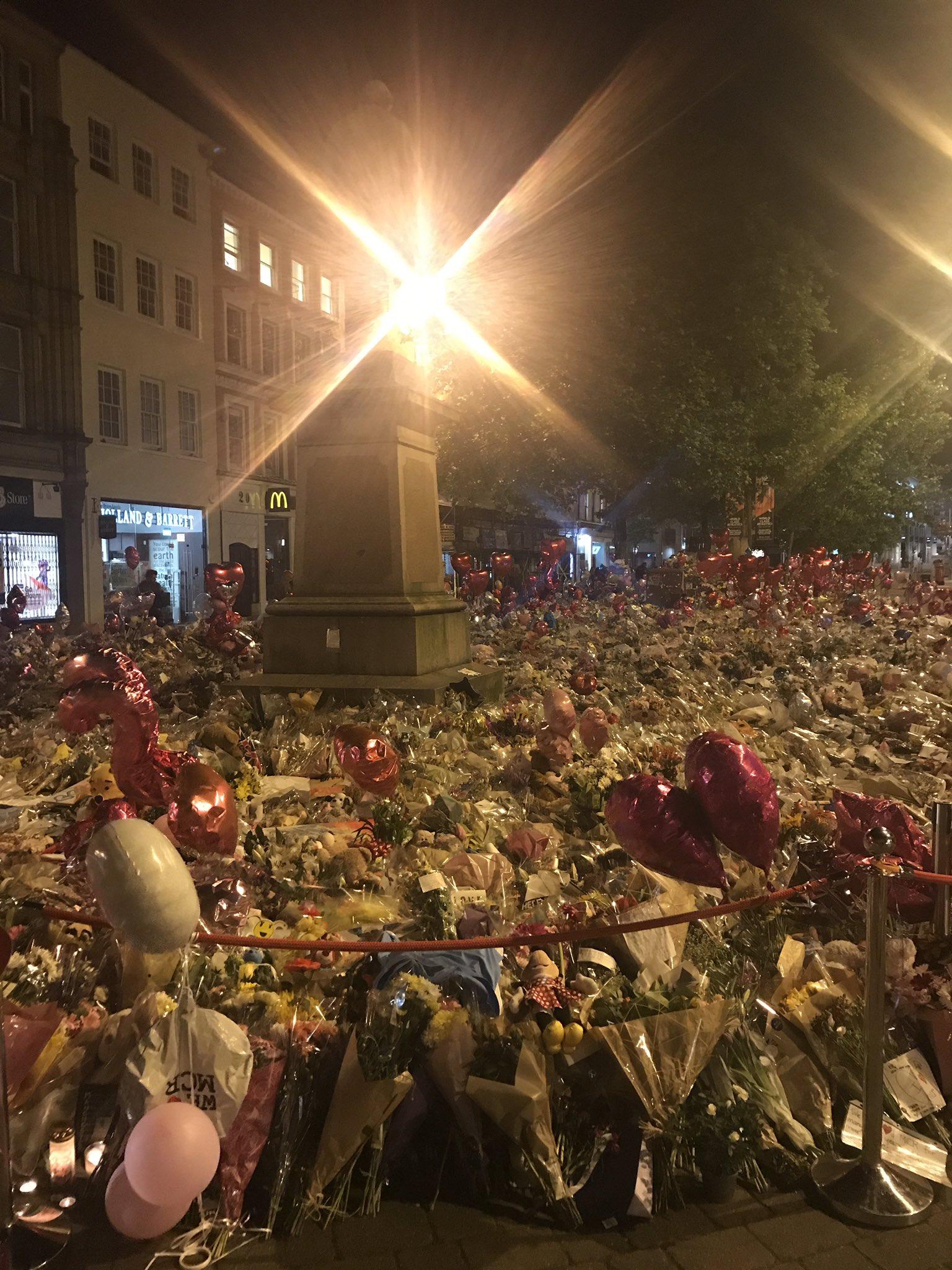 The power of Manchester. One love https://t.co/hfHDJiFgI6