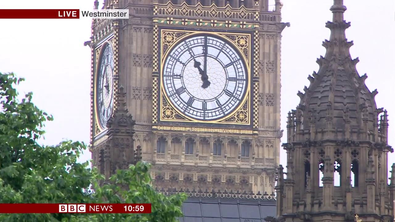People across the UK fall silent to remember the victims of the #LondonAttacks  https://t.co/WK43YOBomk https://t.co/DzKsay5yoG