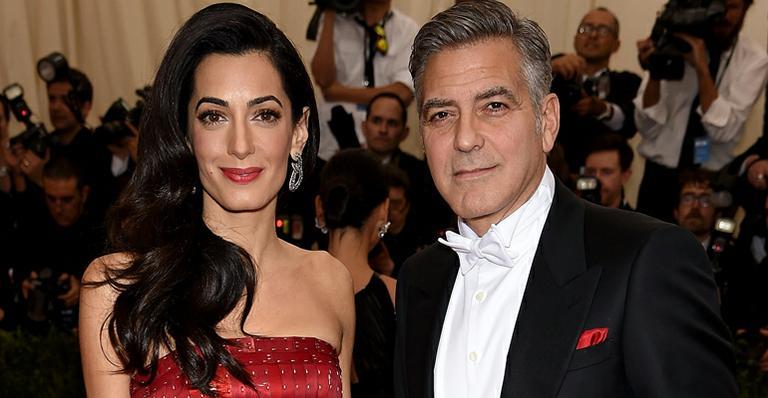 Amal Alamuddin. Foto do site da Caras Brasil que mostra Nascem os gêmeos de George Clooney e Amal Alamuddin