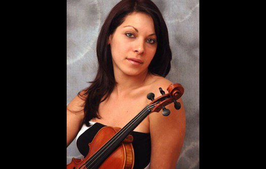 United Airlines dispute over 17th-century violin ends in 'wrestling match,' lawyer says