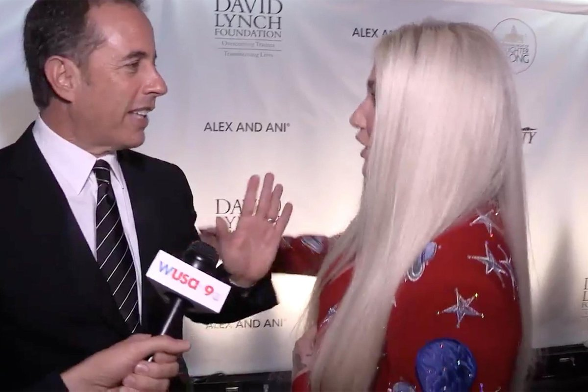 Watch Jerry Seinfeld refuse a hug from Kesha: