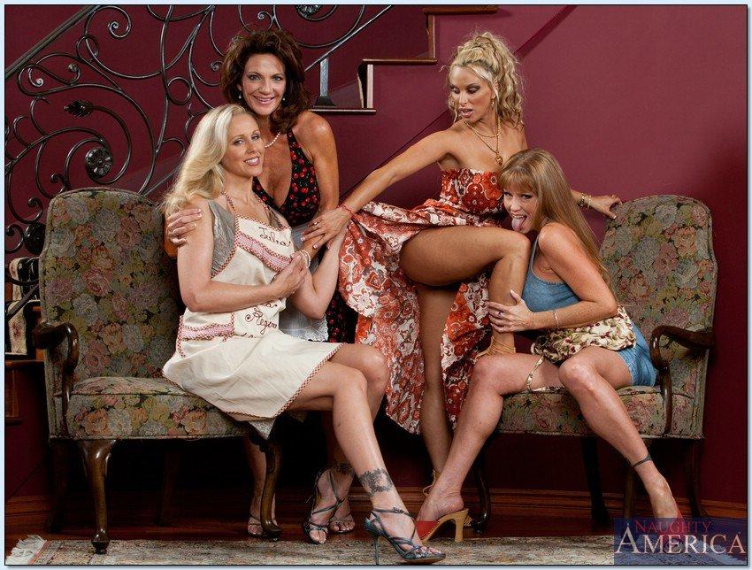 devushki-modeli-erotika-blondinki