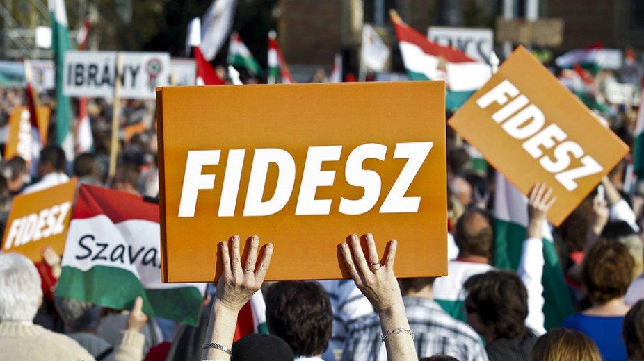 Iránytű Intézet: Továbbra is stabilan vezet a Fidesz