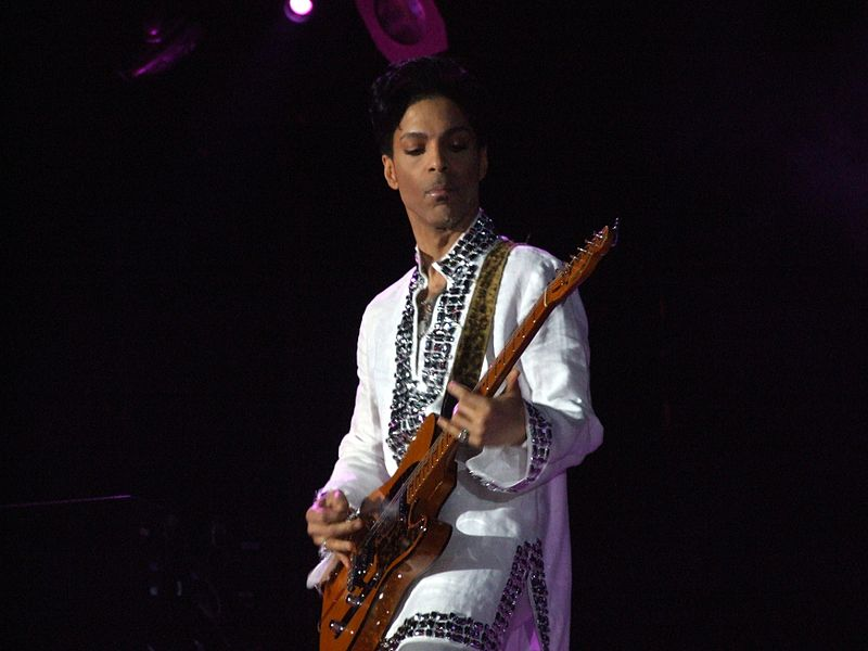 We miss u, Prince. Happy Birthday <3