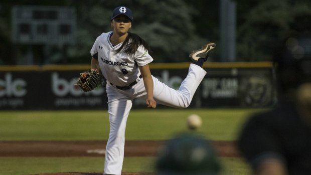 Historic night as female pitcher takes the mound in men's baseball league