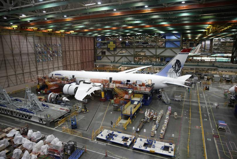 Boeing barrels ahead on 787 and 777 cost reductions