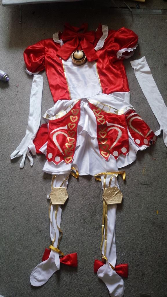 プリパラのガァルル マリオネットミューレッドサイリウムコーデ衣装出来たぁぁ!!衣装模様とか縦ロール本当出来て良かった。感